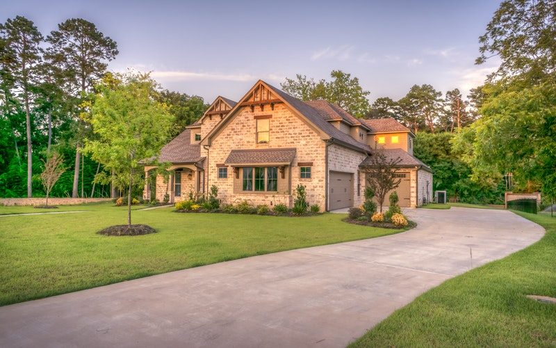 lawn-care-landscaping-residential